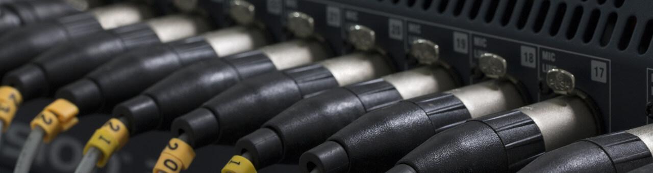 Kabel mieten Stromkabel Verleih Audiokabel Videokabel mieten HDMI DVI XLR VGA Speakon Harting Berlin